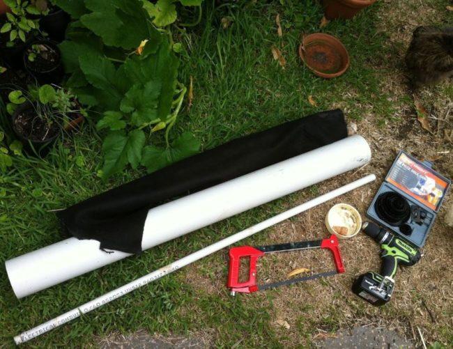 Инструменты и материалы для вертикальной грядки под клубнику