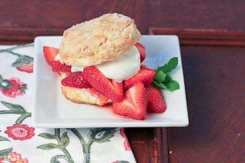 Слоенное печенье со свежей ягодой клубники Кристина