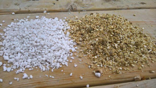 Пелит и вермикулит для подготовки посадочной смеси под клубнику