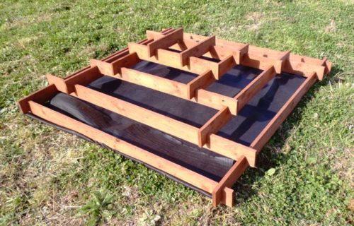 Пирамида для клубники из досок
