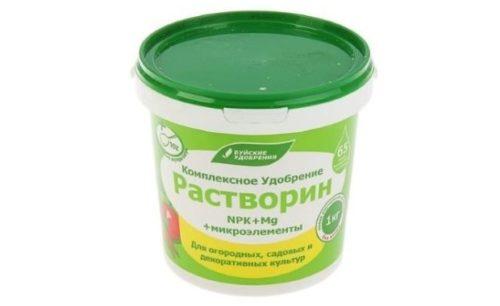 Препарат Растворин для внесения под помидоры в теплице