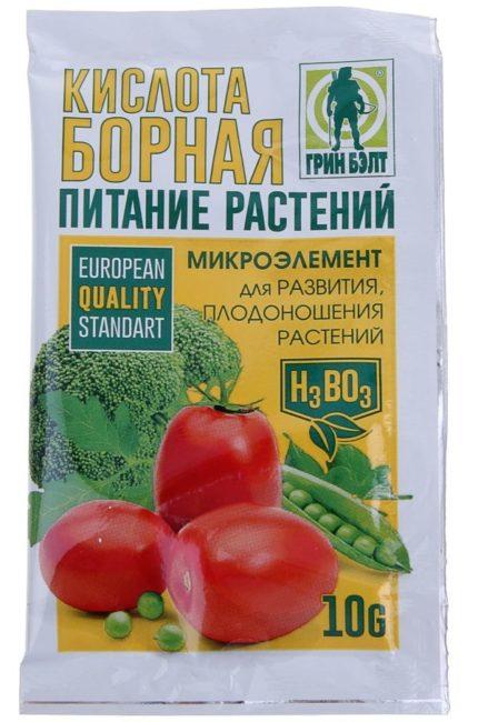 Пакет с борной кислотой для питания садовых растений