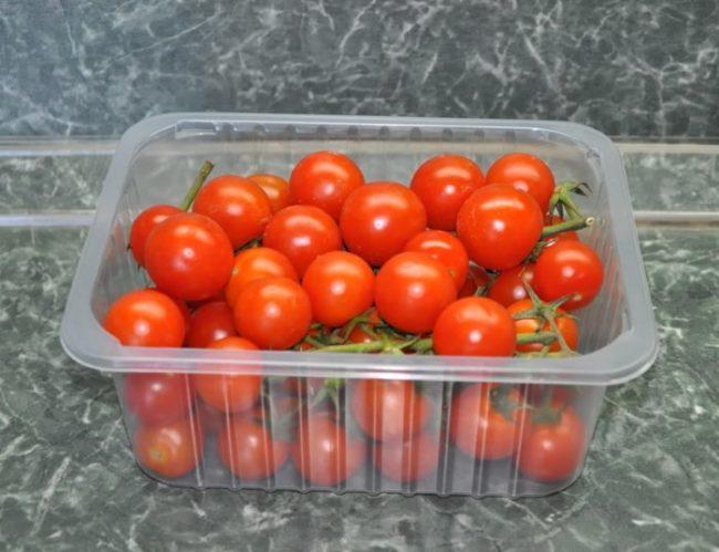 Хранение помидоров Черри в прозрачной палетке