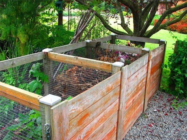 Деревянный компостный ящик со стенками из сетки-рабицы