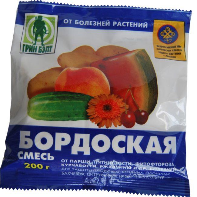 Пакет с бордоской смесь для приготовления рабочего раствора при опрыскивании яблони