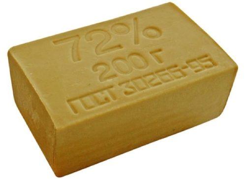 Большой кусок мыла хозяйственного массой 200 граммов для садовых нужд