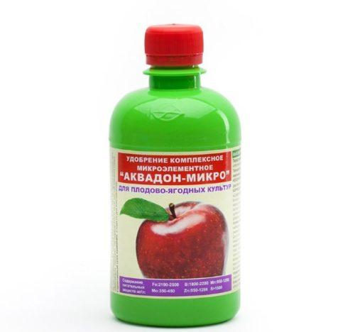 Пластиковый флакон зеленого цвета с препаратом Аквадон-микро для плодово-ягодных культур
