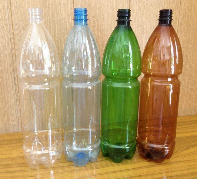 Чистые пластиковые бутылки для изготовления кашпо в домашних условиях
