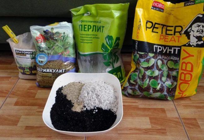 Компоненты для самостоятельного приготовления грунта для петунии