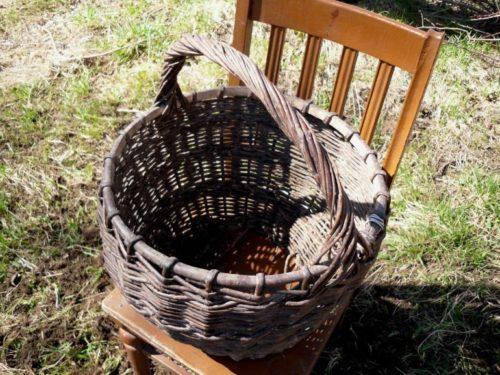Плетенная корзинка для выращивания петунии